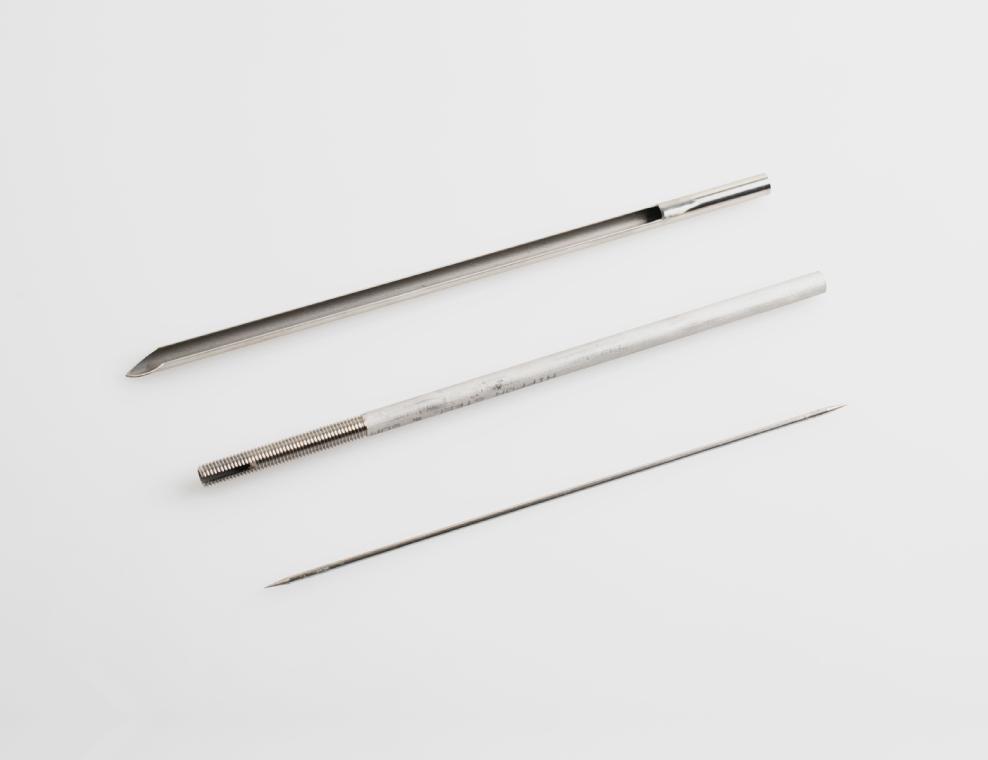 手研ぎバイトによる剣先の加工